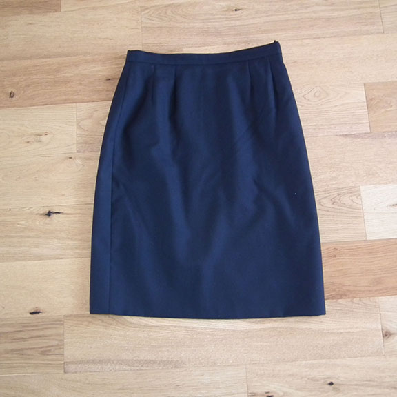 aquascutum navy blue wool skirt knee length pencil